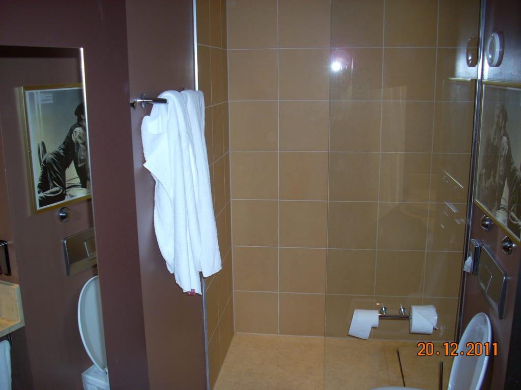 """Hotel M?nchen Dusche Im Zimmer : Bild """"Begehbare, gro?e Dusche"""" zu Hotel Mercure M?nchen City Center"""