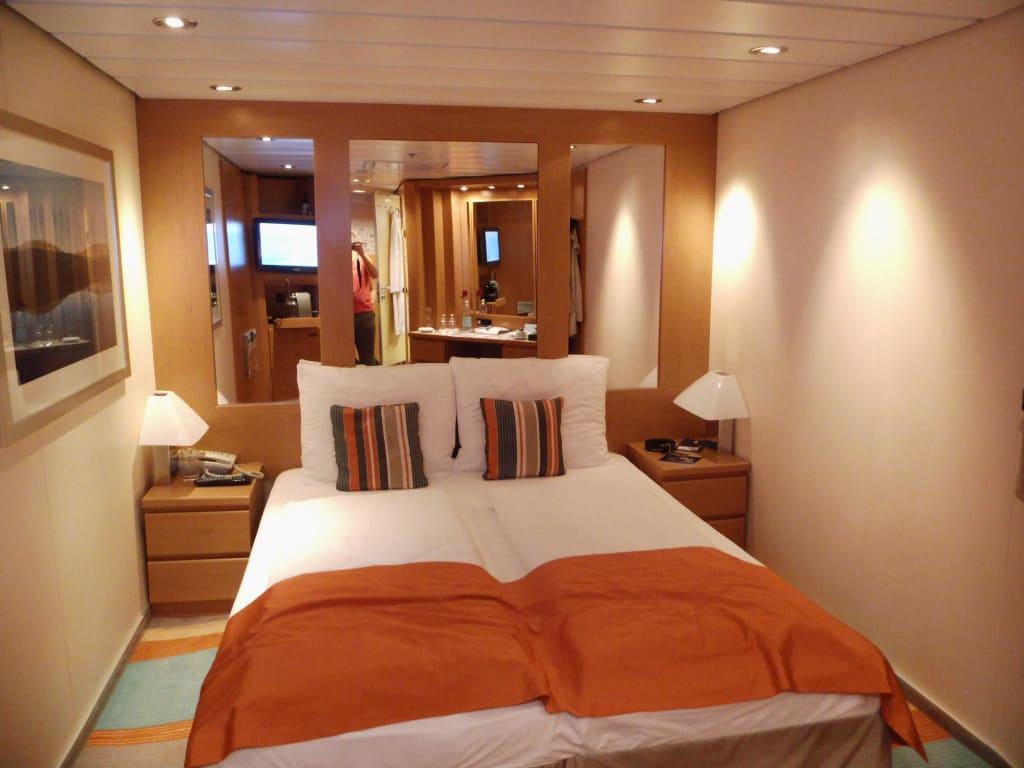 bild innenkabine nr 12042 deck 12 horizont zu mein schiff 1 in. Black Bedroom Furniture Sets. Home Design Ideas