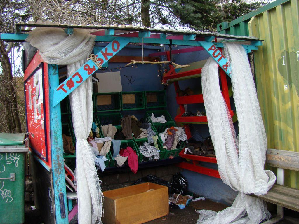 bilder freistaat christiania in kopenhagen reisetipps. Black Bedroom Furniture Sets. Home Design Ideas