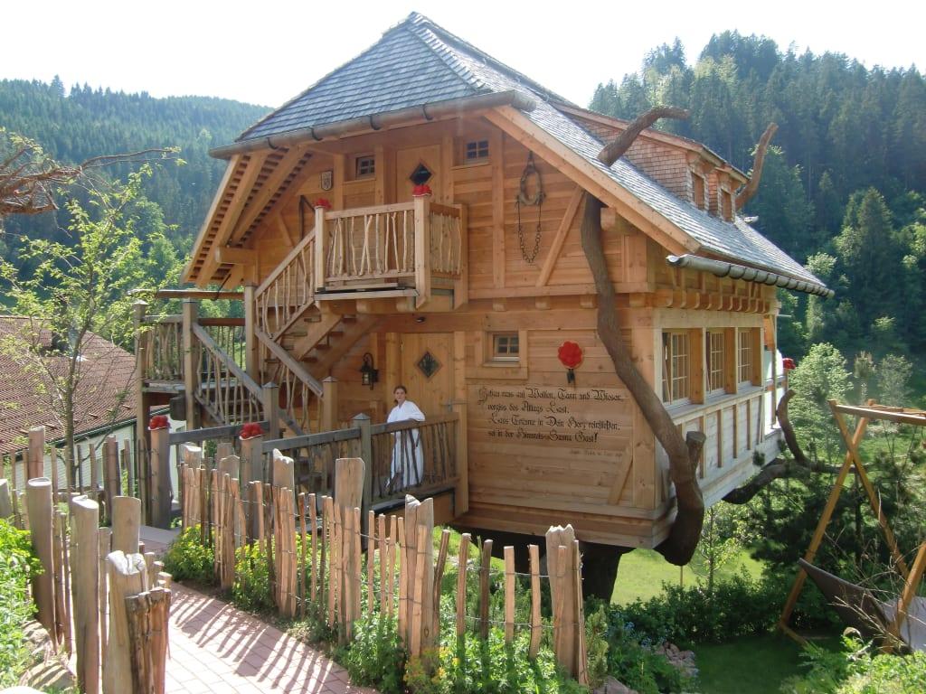 bild die einzigartige baumhaus sanua zu wellness hotel tanne tonbach in baiersbronn. Black Bedroom Furniture Sets. Home Design Ideas