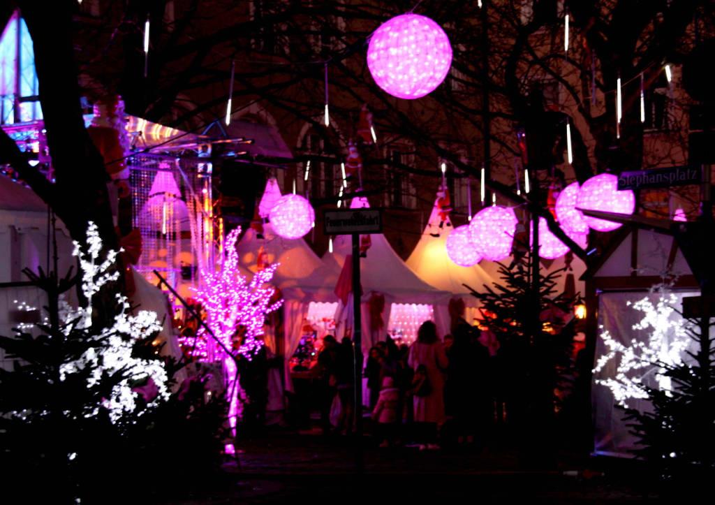 Pinker Weihnachtsmarkt.Bild Rosarot Pink Christmas Zu Weihnachtsmarkt Pink