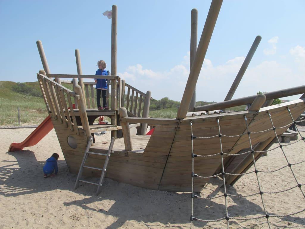 Bild Kinderspielplatz Zu Restaurant Oase In Norderney