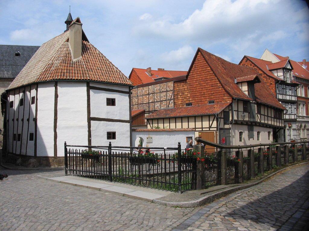 """Bild """"Fachwerkmuseum im Ständerbau"""" zu Altstadt Quedlinburg in ..."""