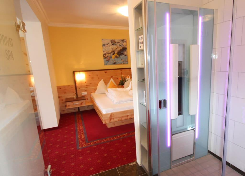 bild suite dachstein inkl infrarotkabine zu hotel. Black Bedroom Furniture Sets. Home Design Ideas