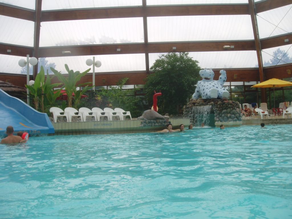 Bild schwimmbad zu aqua tropicana geschlossen in damp for Schwimmbad billig