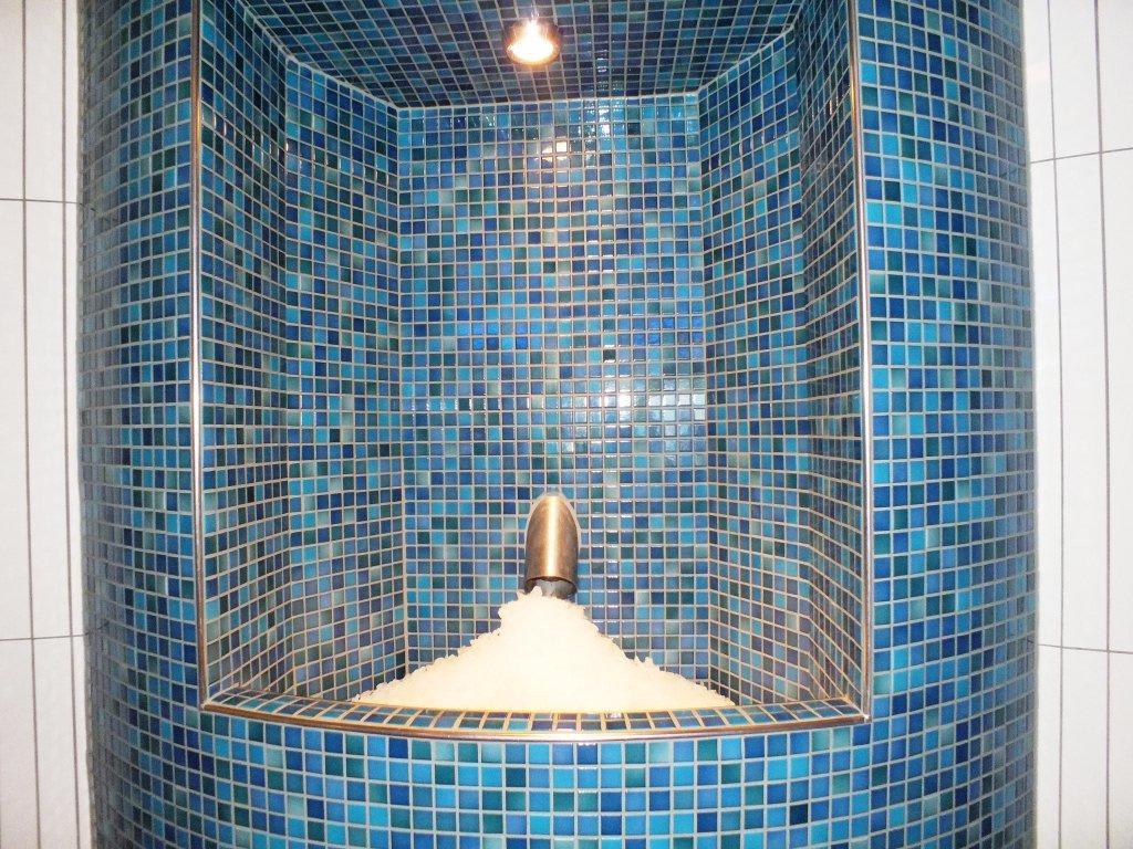 bild eis zum abk hlen in der sauna zu ringberg hotel in suhl. Black Bedroom Furniture Sets. Home Design Ideas