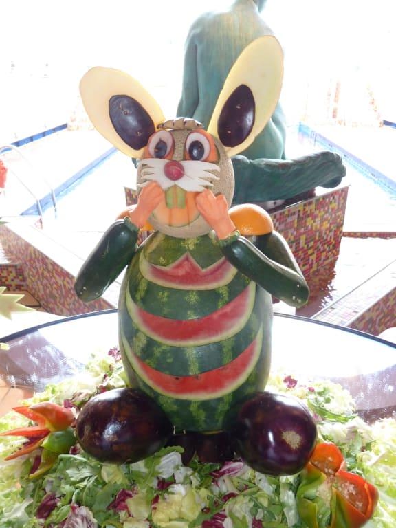Bild Deko Aus Gemuse Und Fruchten Zu Costa Magica In