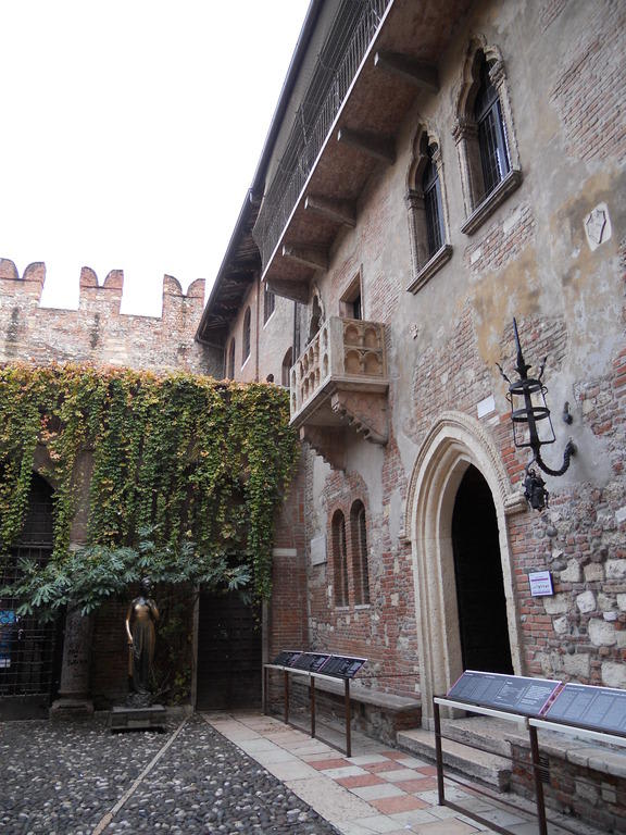 Briefe An Romeo Und Julia : Bild quot romeo und julia zu julias balkon haus in verona