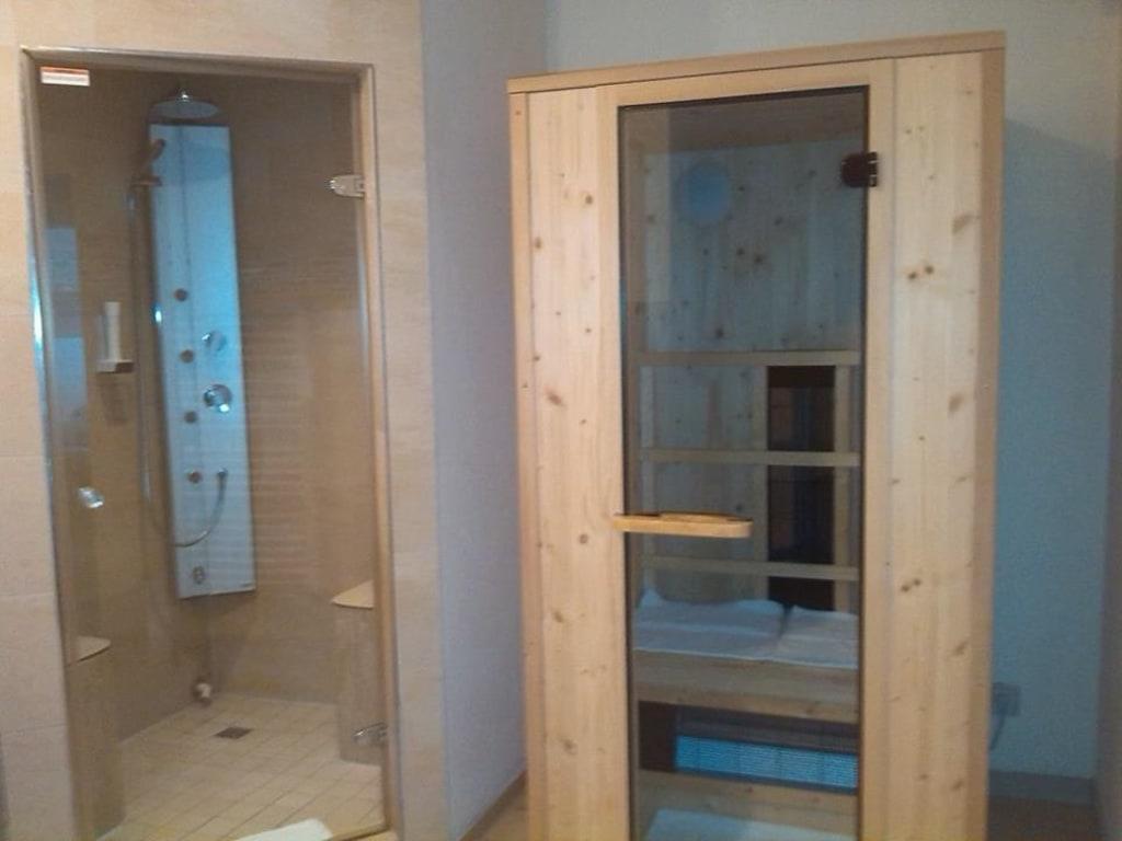 bild dampfbad dusche und sauna zu thula wellness hotel bayerischer wald in lalling. Black Bedroom Furniture Sets. Home Design Ideas