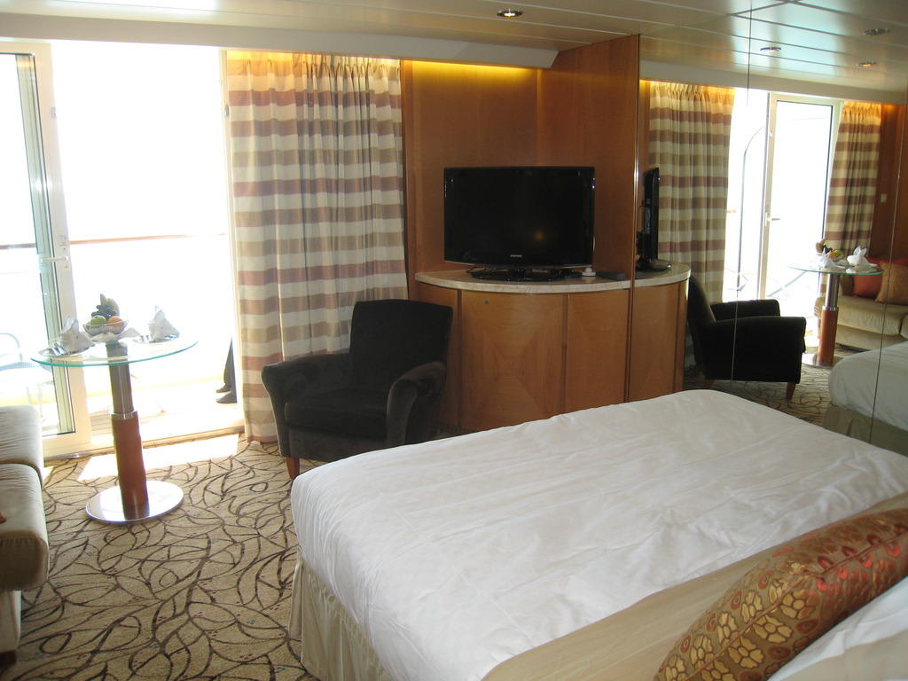 Sky Suite 1 (S1) Celebrity Constellation Cabin Reviews on ...