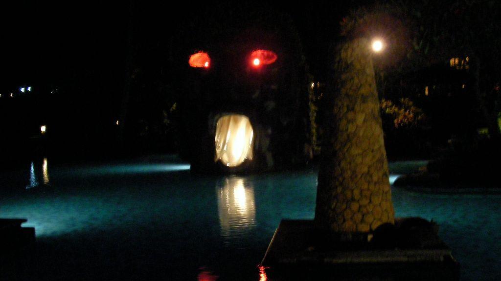 Hotel Bilder Poolanlage Hotel Sheraton Senggigi Lombok Beach Resort