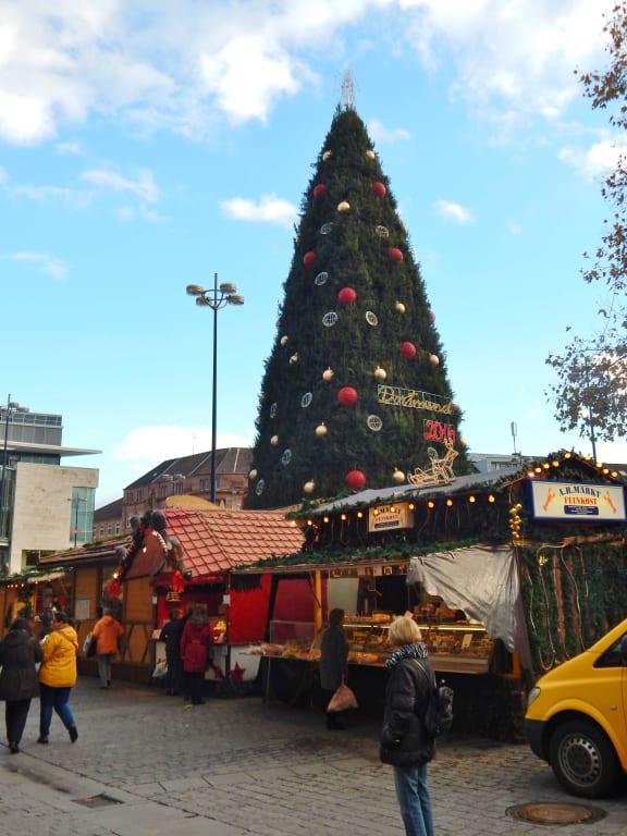 Dortmund Weihnachtsbaum.Bild Größter Weihnachtsbaum Der Welt Zu Weihnachtsmarkt Dortmund