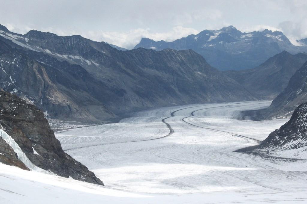 Aletsch  najdłuższy lodowiec w Europie (23,6 km)