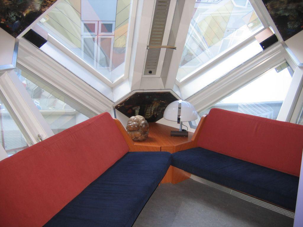 bild kubuswohnung wo und wie man sitzt zu kubush user in rotterdam. Black Bedroom Furniture Sets. Home Design Ideas