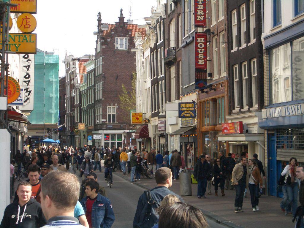 Bild Zentrum Shoppingmeile Zu Amsterdam In Amsterdam