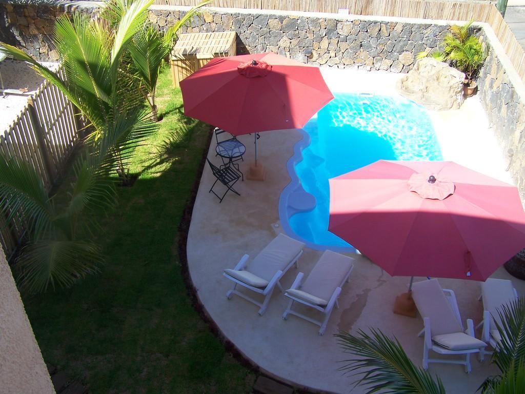 bild unser kleiner garten mit pool und jacuzzi zu. Black Bedroom Furniture Sets. Home Design Ideas
