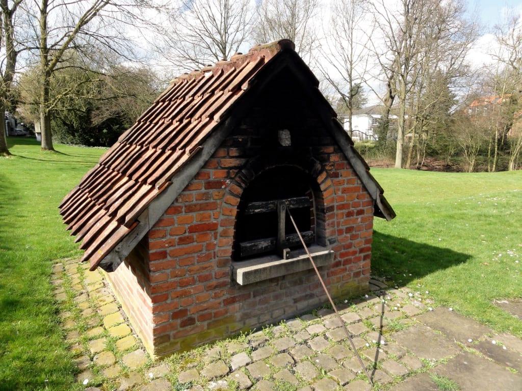 Bild Der Alte Backofen Im Garten Zu Focke Museum In Bremen