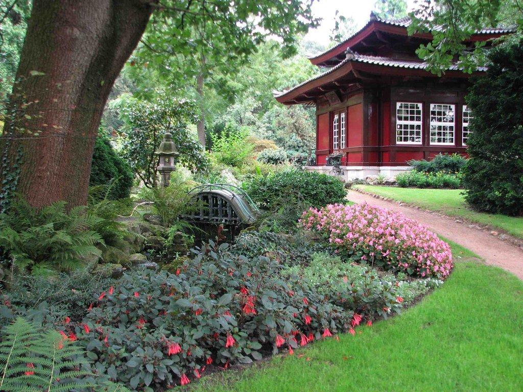 Bild kleines teehaus zu japanischer garten in leverkusen for Leverkusen garten
