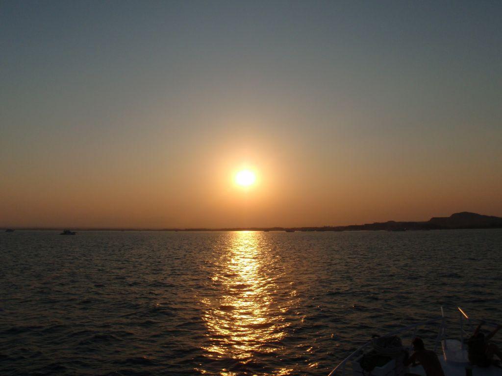 Bild Ein Wunderschöner Tag Geht Zu Ende Zu Giftun Mahmya Inseln