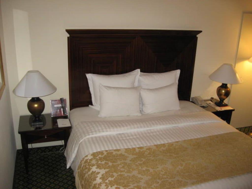 bild bett zu frankfurt marriott hotel in frankfurt am main. Black Bedroom Furniture Sets. Home Design Ideas