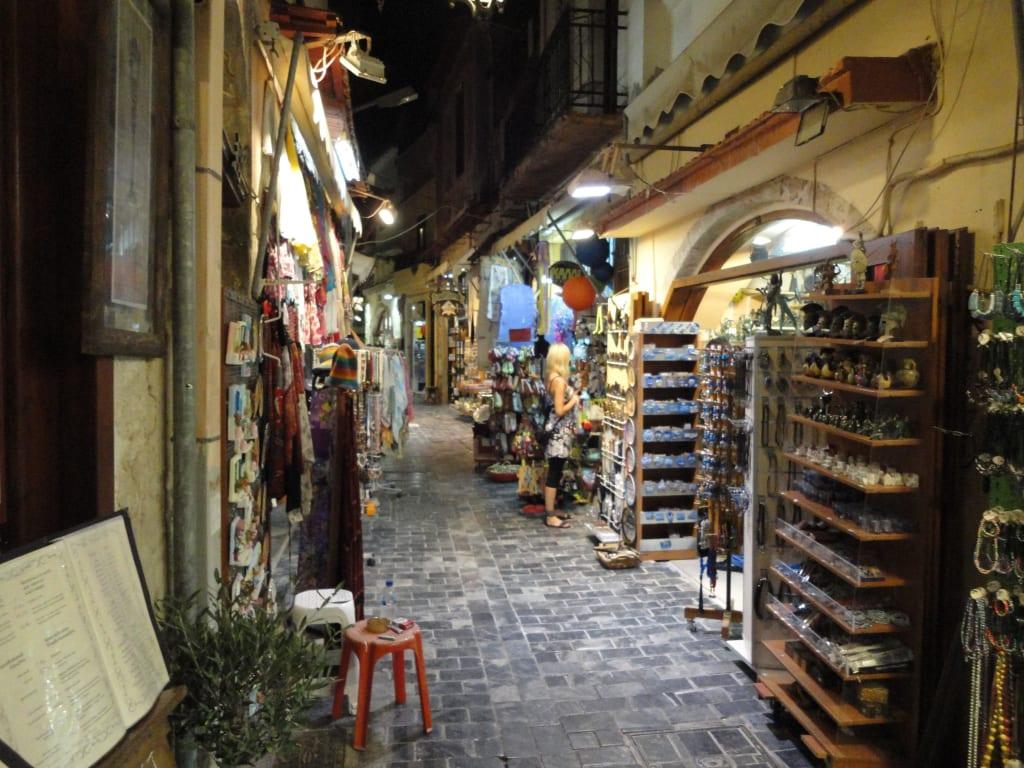 Bild Quot Souvenirs Quot Zu Altstadt Rethymno In Rethymno
