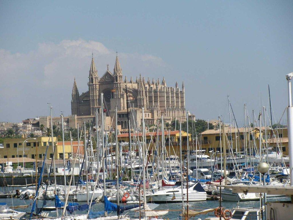 Bild blick auf die kathedrale zu hafen palma de mallorca - Job today palma de mallorca ...