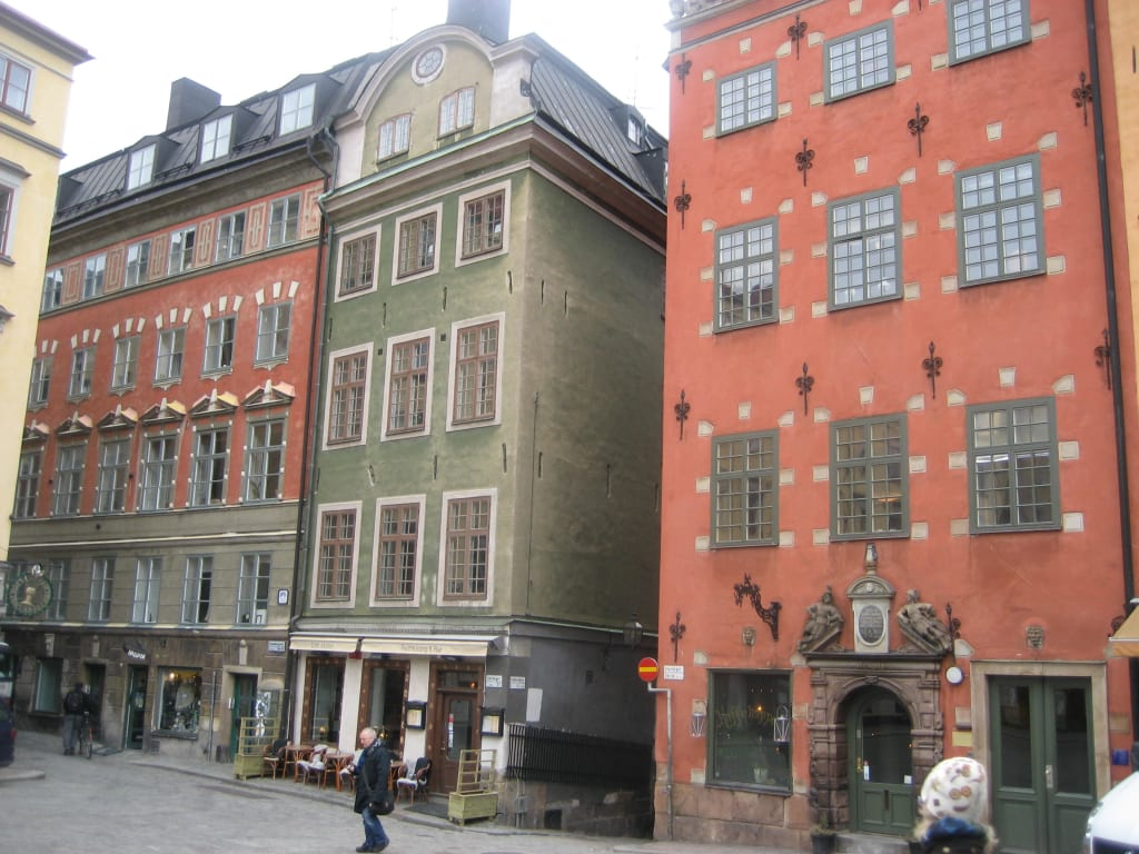 bild alte h user zu altstadt gamla stan stockholm in stockholm. Black Bedroom Furniture Sets. Home Design Ideas