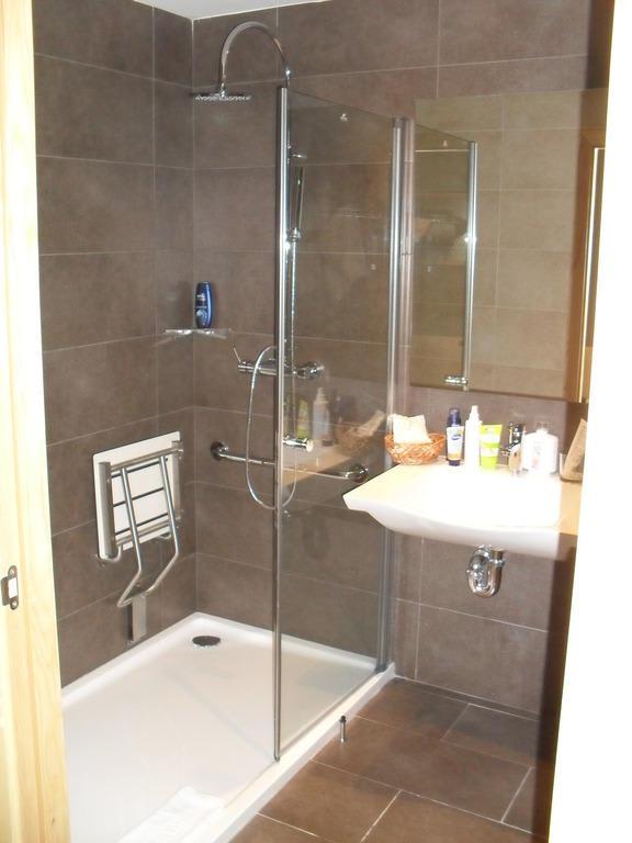 """Mobile Dusche Behindertengerecht : Bild """"Dusche absolut behindertengerecht"""" zu Protur Sa Coma Playa Hotel"""