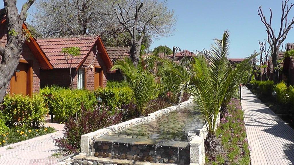 bild quotwunderschone aussenanlageweg zu unsererm bungalow With katzennetz balkon mit can garden beach side bungalows