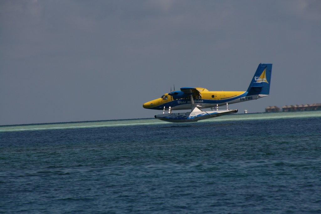 Download this Wasserflugzeug Bilder Sonstiges Motiv Hotel Kuramathi Island Resort picture