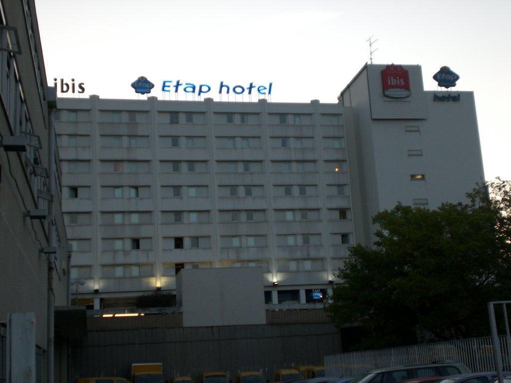 Bild hotel vom parkplatz aus zu ibis budget hotel paris - Ibis budget paris porte de bagnolet ...