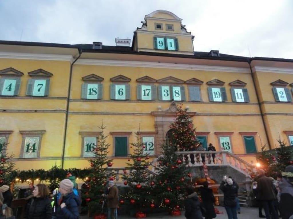 Schloss Hellbrunn Weihnachtsmarkt.Bilder Adventskalender Reisetipps