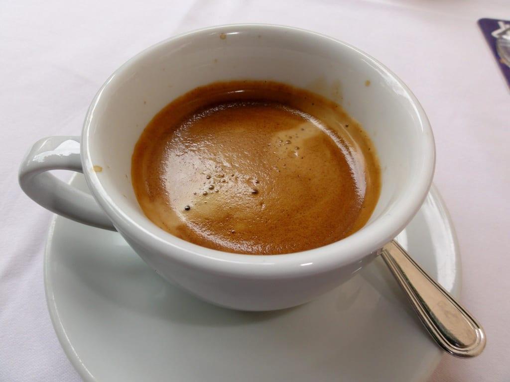 doppelter espresso auf italienisch