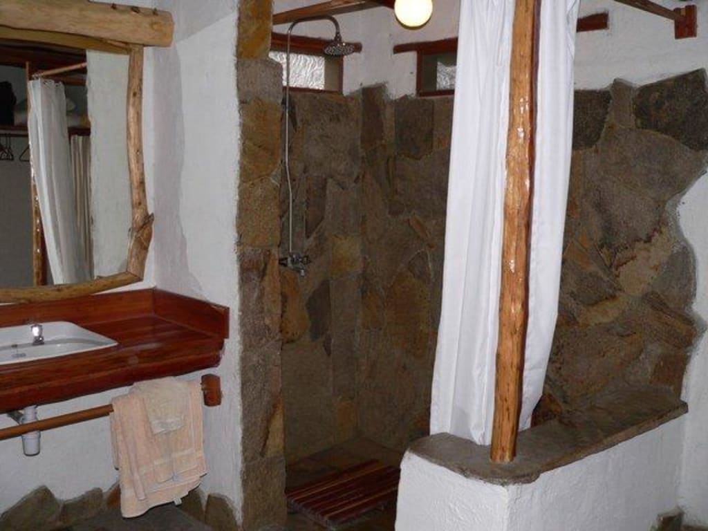 """Dusche Gemauert Bilder : Bild """"Super gemauerte Dusche"""" zu Camp Oloshaiki in Masai Mara"""