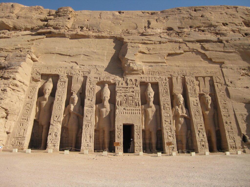 Bilder Kleiner Tempel von Abu Simbel - Reisetipps
