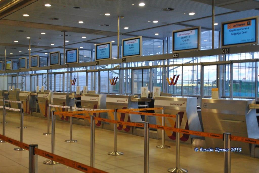 Bild Germanwings Check In Zu Flughafen Kölnbonn Cgn In Köln