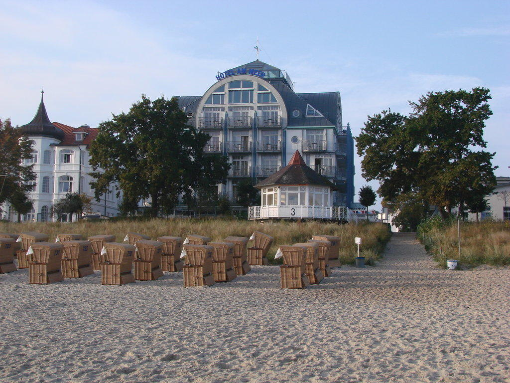 bild hotel zu hotel am meer spa in binz auf r gen. Black Bedroom Furniture Sets. Home Design Ideas