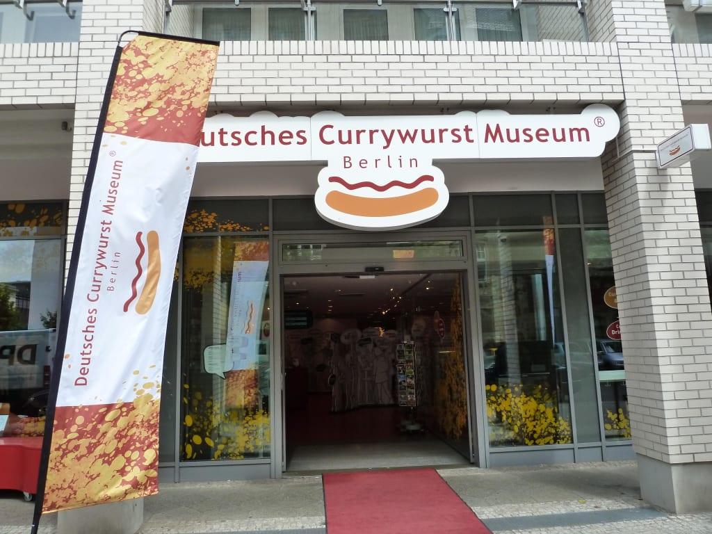 bild eingang zu deutsches currywurst museum in berlin. Black Bedroom Furniture Sets. Home Design Ideas