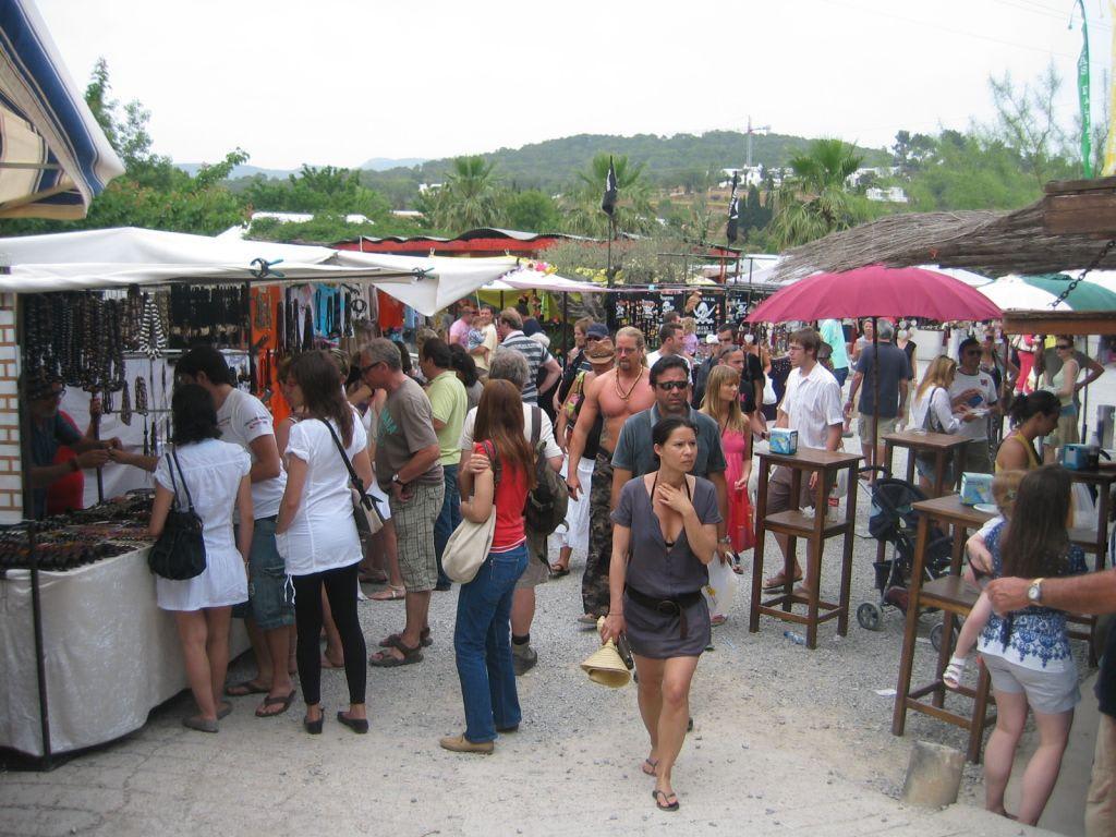 Bild hippie markt zu sant carles de peralta in sant carles de peralta - Hippie zimmer ...