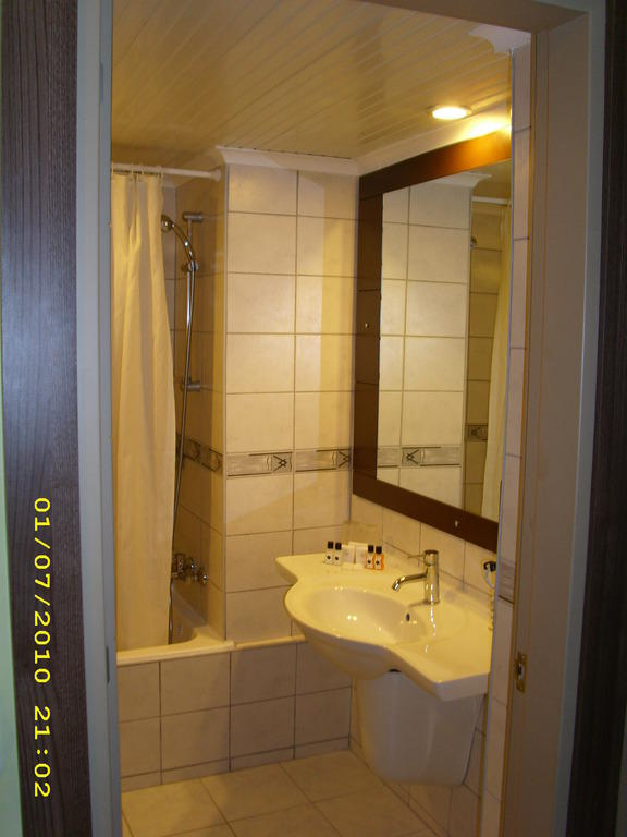 Bild badezimmer bungalow zu jasmine beach resort in avsallar for Badezimmer jasmin
