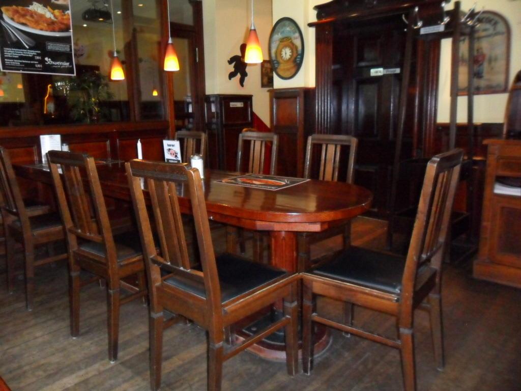 bild restaurant zu schweinske bergedorf in hamburg bergedorf. Black Bedroom Furniture Sets. Home Design Ideas