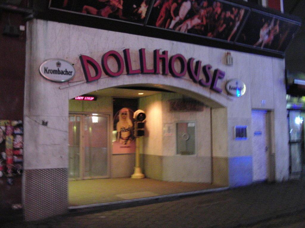 bild reeperbahn gro e freiheit dollhaus zu dollhouse in hamburg. Black Bedroom Furniture Sets. Home Design Ideas