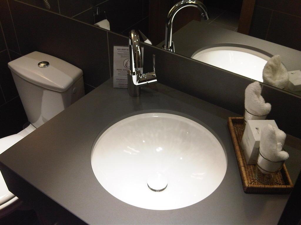 bild sch nes bad zu klosterhotel marienh h lifestyle familienhotel in langweiler. Black Bedroom Furniture Sets. Home Design Ideas