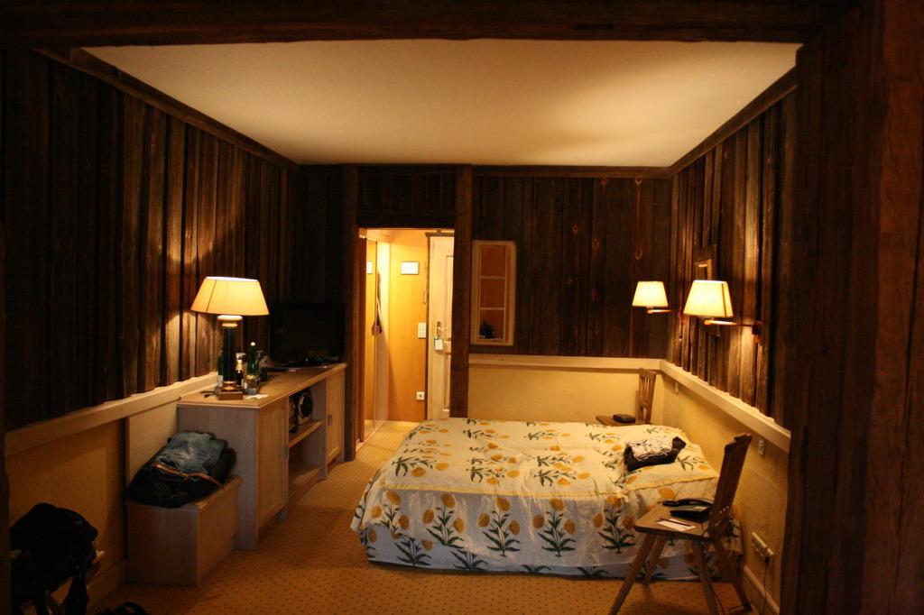 bild zimmer im weberhaus zu hotel zur bleiche resort spa in burg. Black Bedroom Furniture Sets. Home Design Ideas