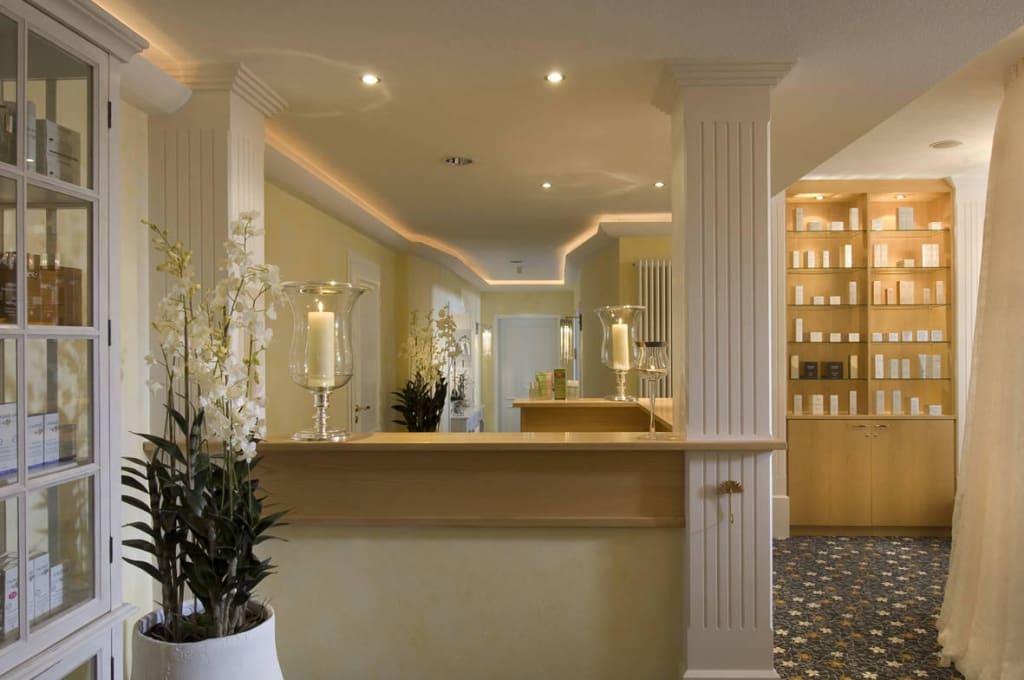 bild beauty atelier empfangsbereich zu weinromantikhotel richtershof in m lheim mosel. Black Bedroom Furniture Sets. Home Design Ideas