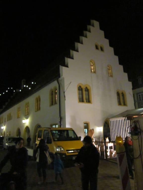 Schongau Weihnachtsmarkt.Bild Historischer Bau Ballenhaus Zu Weihnachtsmarkt Schongau In