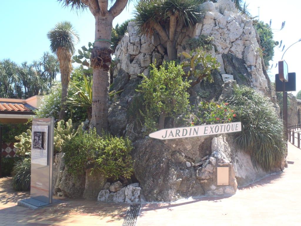 """Bild """"Eingang exotischer Garten"""" zu Jardin Exotique in Eze ..."""