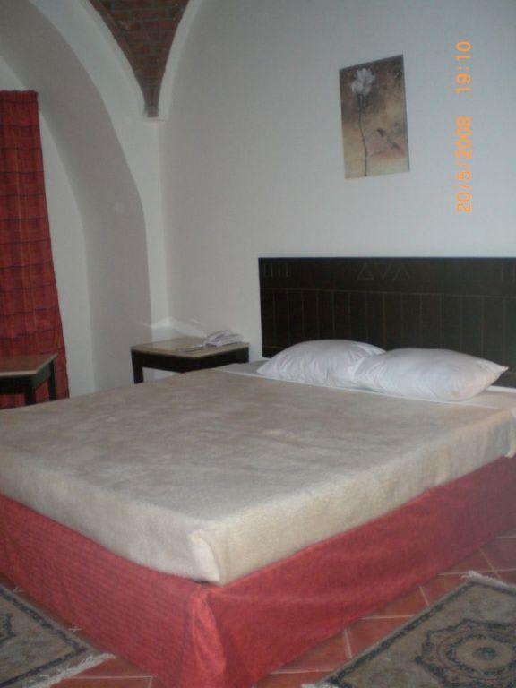 bild traumbett mit kuppeldach zu hotel the three corners sea beach resort in marsa alam. Black Bedroom Furniture Sets. Home Design Ideas