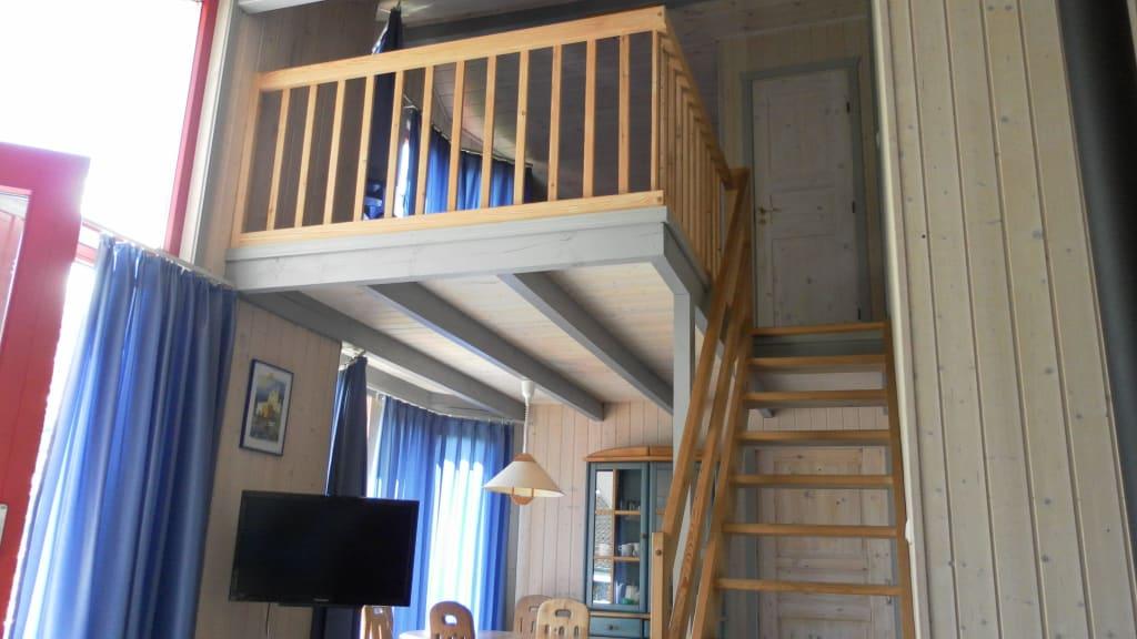 """treppe wohnzimmer:Bild """"Treppe Wohnzimmer Empore"""" zu Ferienpark Mirow in Granzow"""