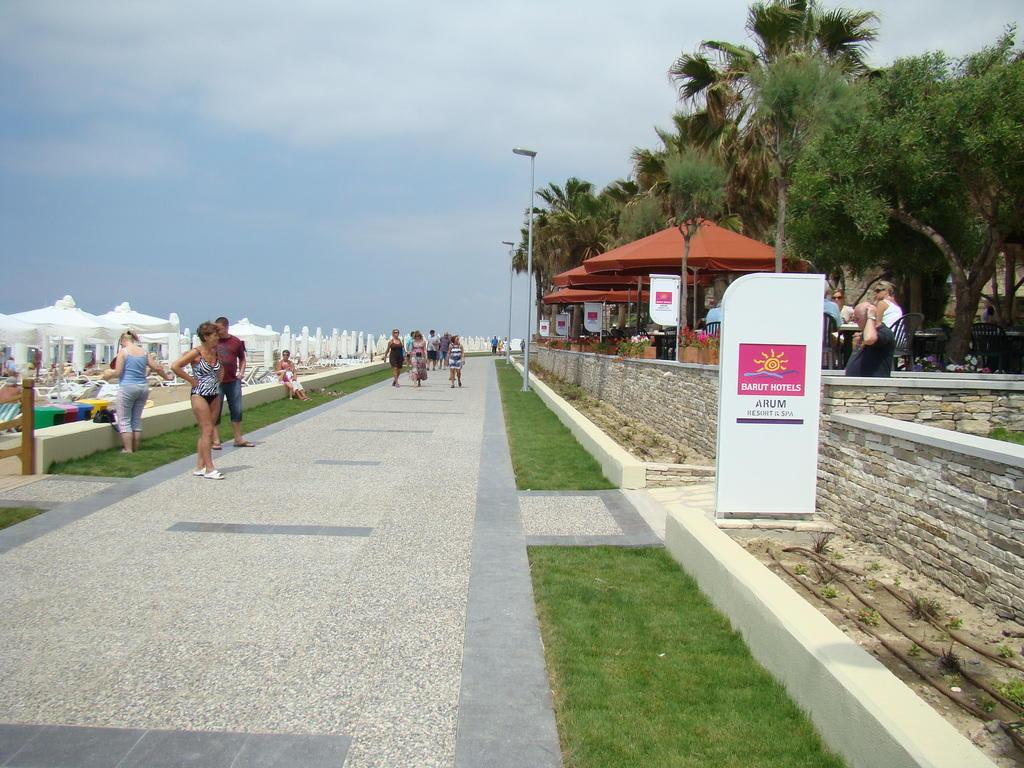 bild die neue promenade richtung side zu strandpromenade side in side. Black Bedroom Furniture Sets. Home Design Ideas